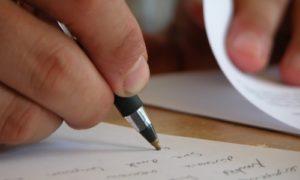 essay for scholarship application
